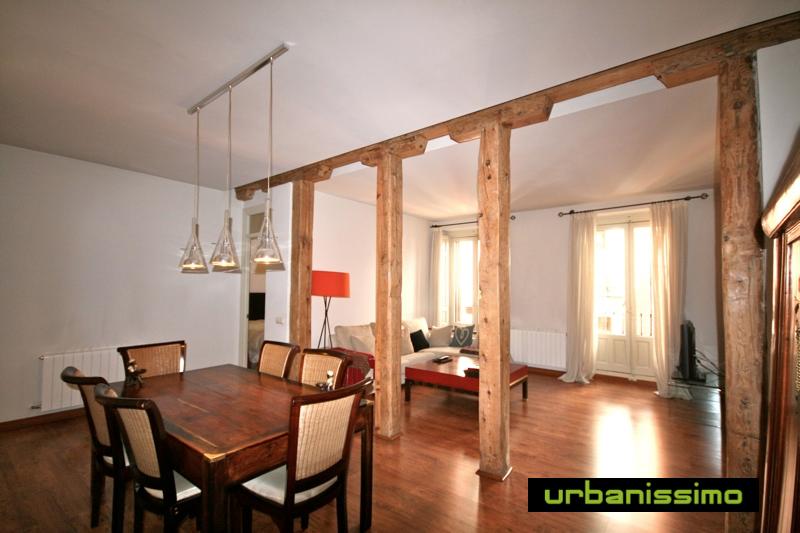Division de interiores en madera for Divisiones interiores